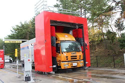 ダイフクプラスモア 大型洗車機をモデルチェンジ