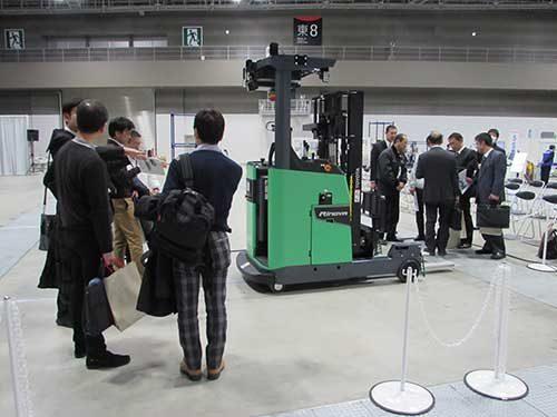 豊田自動織機・トヨタL&Fカンパニー 物流ソリューションフェアを開催