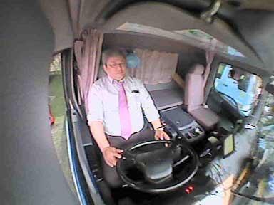 梅田運輸倉庫 車内ドラレコ設置、検証重ねた設置位置