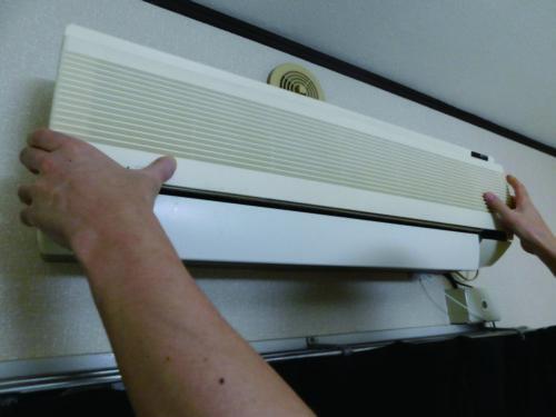 家電配送に混乱 エアコンが過去最高の出荷台数