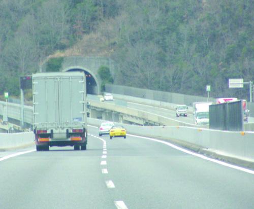 国交省 トラック輸送情報6月