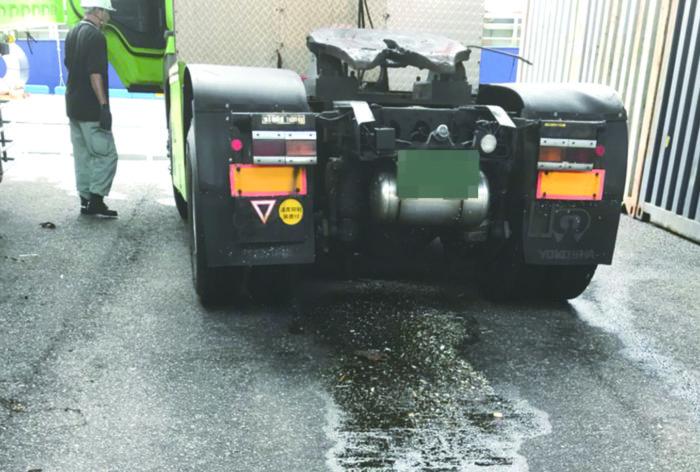 高潮被害のトラックに一括請求 メガバンク系リースが通知に反し