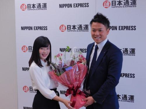 日通 日ハム指名の生田目選手が記者会見