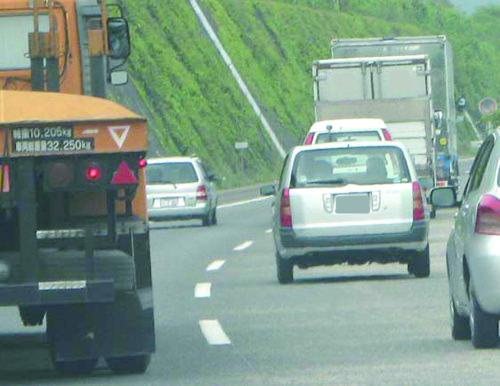 採用は慎重に ドライバーとの労務トラブル回避