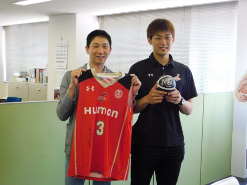 二島運輸 大阪エヴェッサが表敬訪問、従業員家族に「安心」PR
