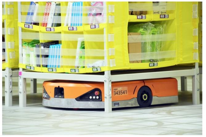 アマゾン 大阪府茨木市でロボット導入拠点が稼働