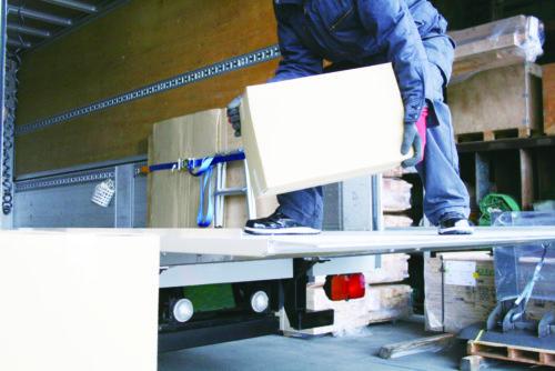 荷役作業・付帯業務も 記録義務の対象拡大