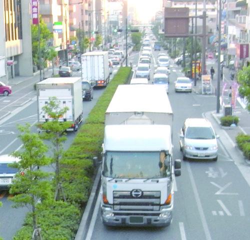 日本マクドナルドなど4社 食塩と新聞の共同輸送