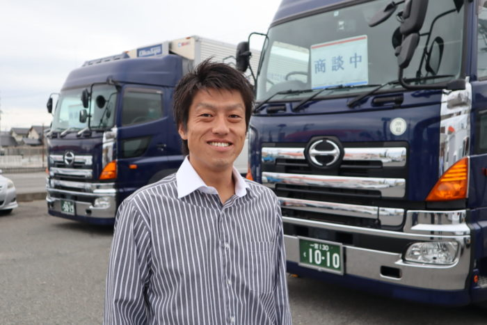 OSオート 高品質トラック販売、すべて「4年落ち」