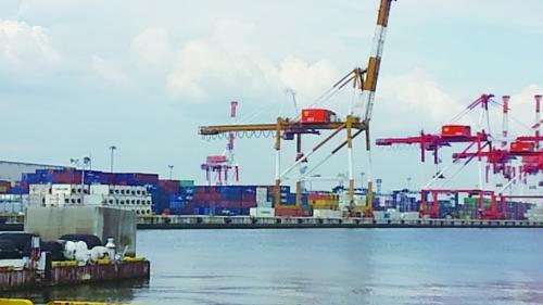 貨物量減少が表面化 取引の「適正化」も影響