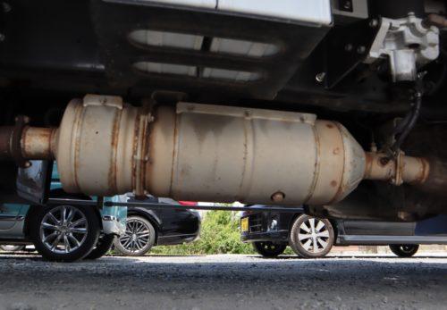 トラックのマフラー盗にご用心 兵庫県北部地域で続発