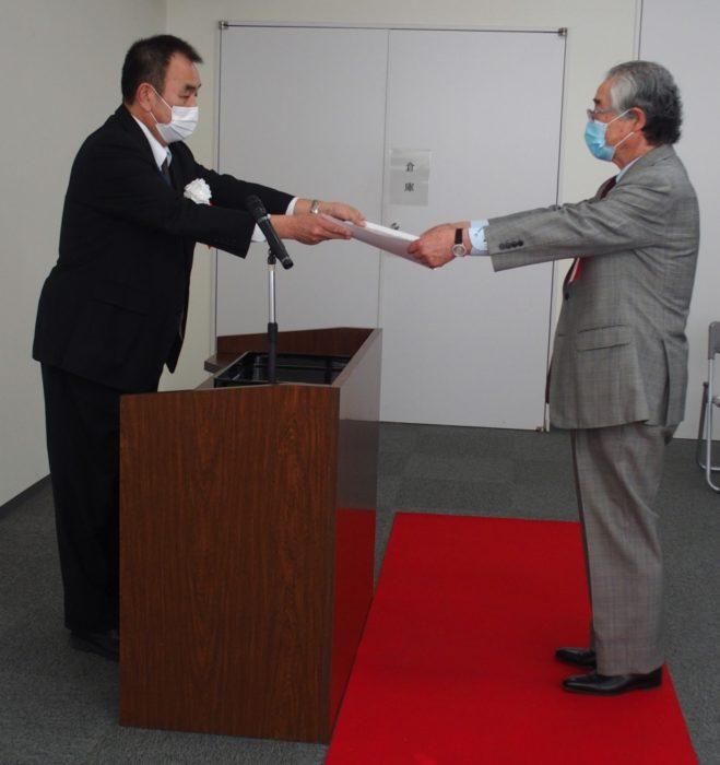 近畿運輸局大阪運輸支局長表彰式 12事業所が受賞