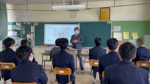 SEHIRO 中学校で講演「人間力を高めよう」