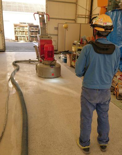 新東工業 アメリカ発の床工法を物流事業者に提案