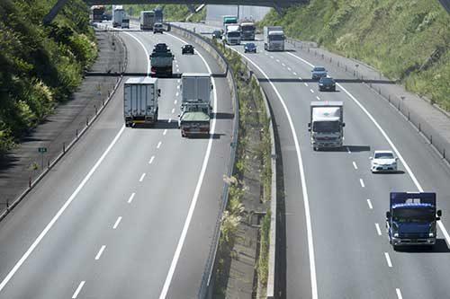 UDトラックスの大型トラックに横浜ゴムの「HiTES4」採用