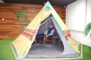 裕進運輸 社内にテント設置、従業員のリフレッシュに