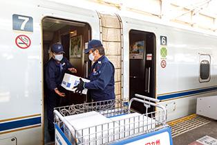 佐川急便 九州新幹線で貨客混載実験
