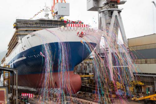 三菱造船 大型フェリー命名・進水式「フェリーきょうと」