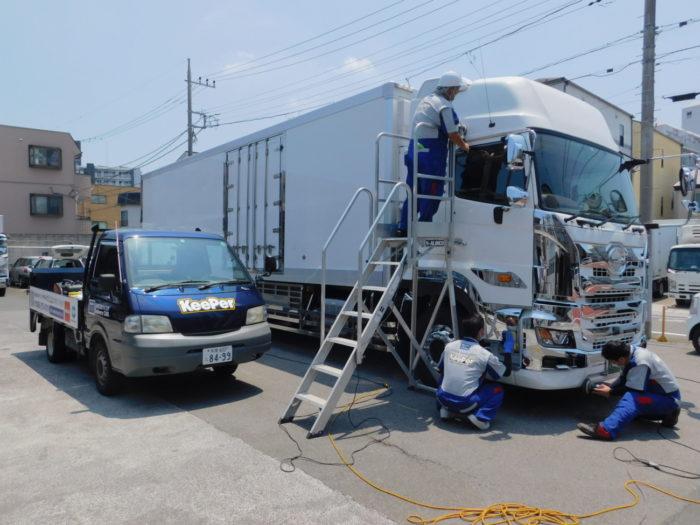 八信陸運 ENEOSウイングのトラックコーティングでドライバーの負担軽減