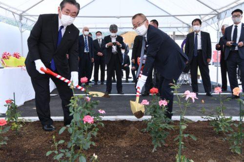 福山通運 須崎営業所を改築、植樹式も